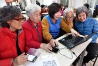 Chinese seniors enjoy shopping with their smartphone
